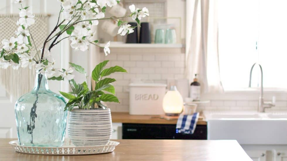 Kitchen Shelf Styling Tips.