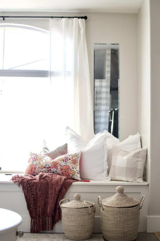 diy window bench with storage