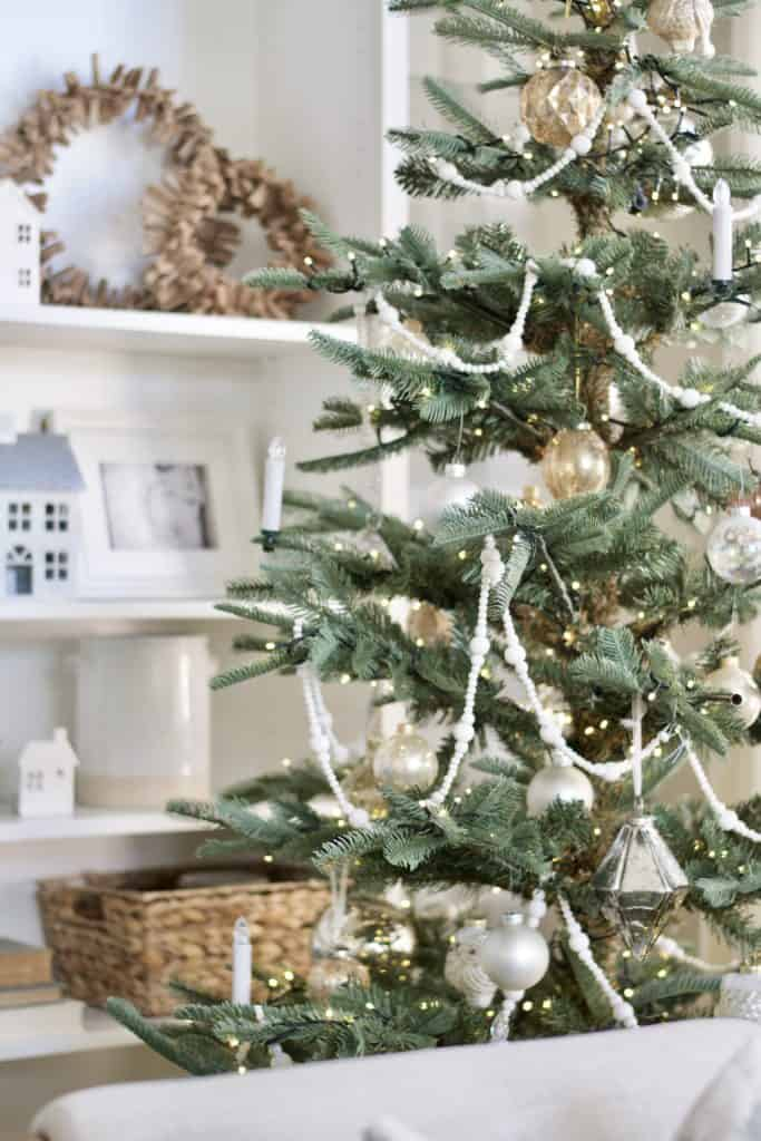 Neutral and classic christmas tree details