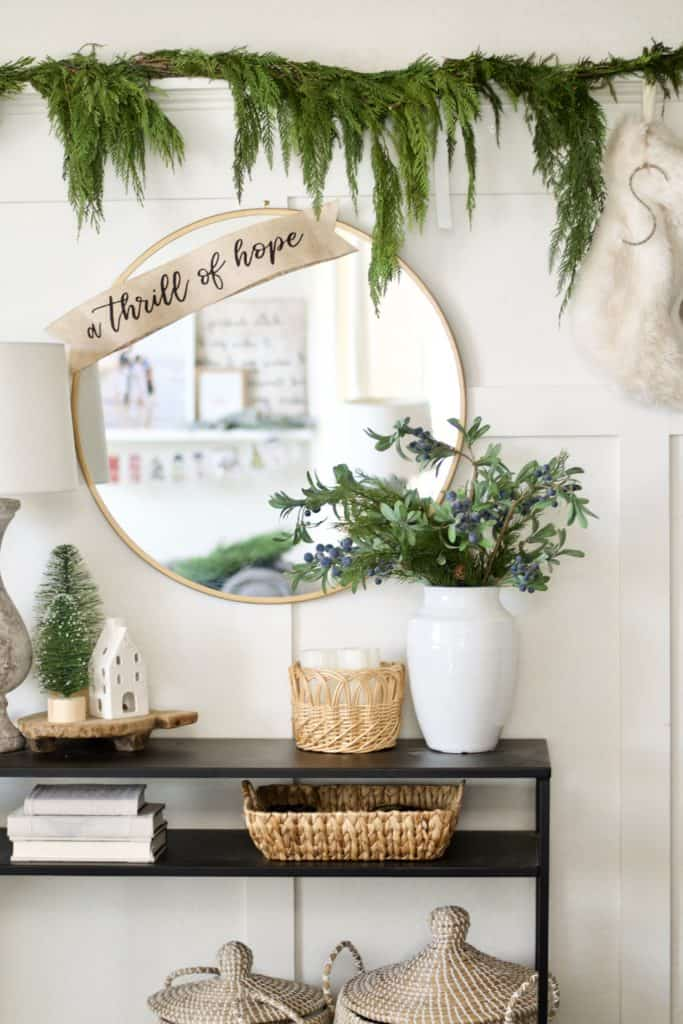 how to create a simple and classic Holiday home