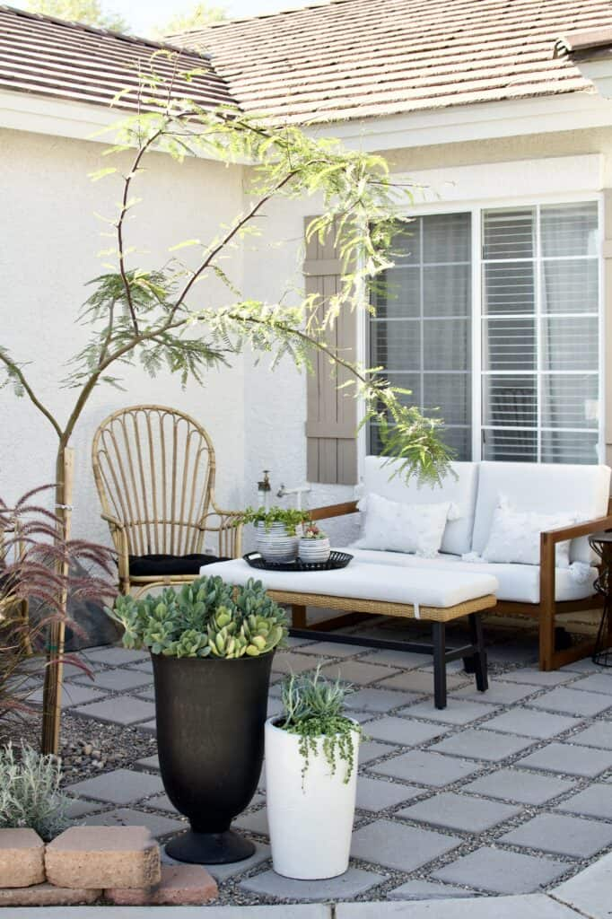 12 inch paver and pea gravel patio inspiration